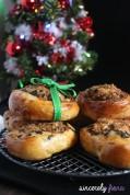 christmas seaweed and rousang bread
