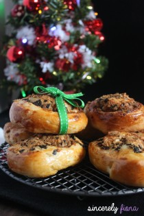 christmas seaweed and rousang bread